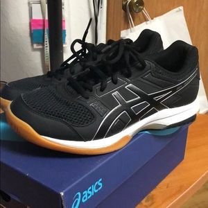 Asics gel-rocket shoes